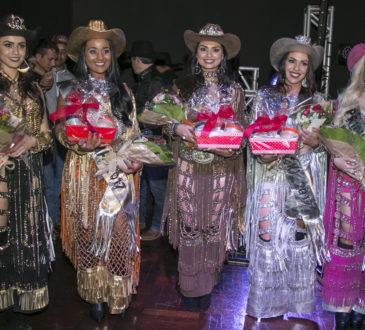 Miss Simpatia Mayara Malheiro, Madrinha Milena dos Santos, Rainha FAICI 2017 Mayara Lima, Garota Rodeio Ágata Fiod Lopes e 1ª Princesa Daiane Novais